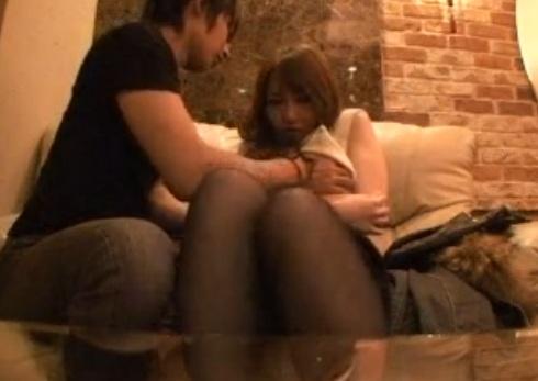 彼氏に振られたばっかりの女の子を慰めつつも寝取るw