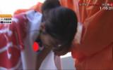 女子大学駅伝で、乳首チラやパンティーやブラチラが生中継された瞬間がコチラ。