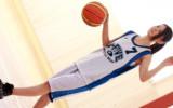 バスケでヨーロッパ大会にも出場した経歴を持つ8頭身ハーフ美人スーザン・ユリカさん!